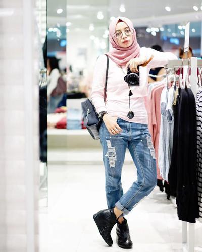 Ini Dia Padu Padan Celana Jeans Kekinian Dengan Hijab Agar