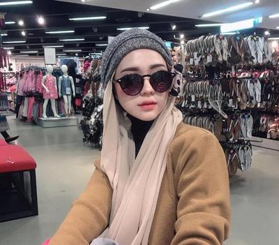 4 Tips Mix and Match Hijab dengan Aksesoris yang Stylish Tanpa Terlihat Berlebihan