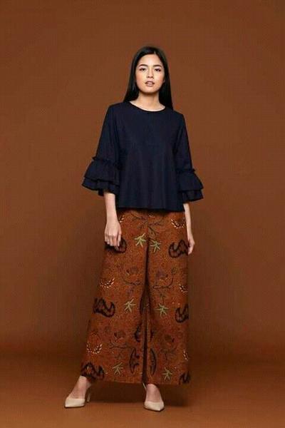 Beda Dari Yang Lain Ini Inovasi Kain Batik Modern Yang Terlihat