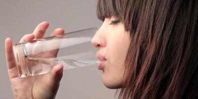 Minum Air Putih Hangat