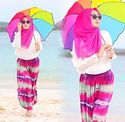 Saatnya Tampil Colorful Dengan Tiru Gaya Hijab Ke Pantai Ala Dian