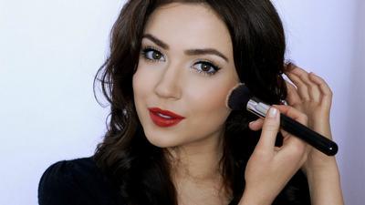 Tertarik Menjadi Beauty Vlogger? Mudah Kok, Ini Tips Dasar yang Perlu Kamu Ketahui!