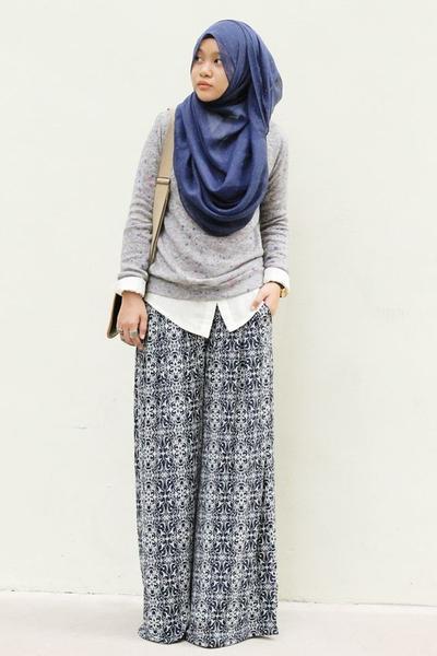 Tinggalkan Gaya Membosankanmu Coba Padu Padan Rok Hijab Dengan