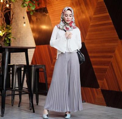 Yuk Intip Padu Padan Celana Plisket Untuk Hijabers Yang Lagi Hits