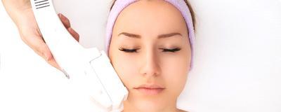 4. Perawatan dengan Intense Pulse Light (IPL) atau Photo Facial