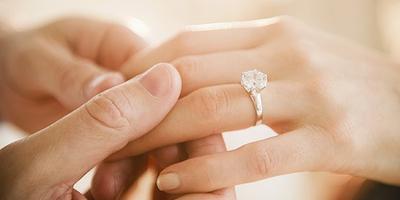 Ini Dia, Tips Membersihkan Koleksi Berlian yang Gampang dan Murah