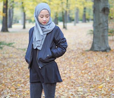 Jangan Bingung! Ini Inspirasi Gaya Hijab ke Kampus dengan Menggunakan Outer!