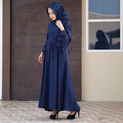 5 Gaun Hijab yang Cantik Banget Jika Dipakai Oleh Si Pemilik Tubuh Kecil