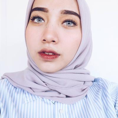 4 Make Up Artist Hijabers Nge-Hits Indonesia yang Akan Membuatmu Terpukau