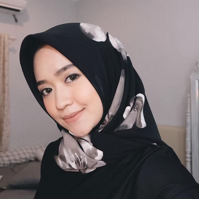 Intip Pilihan Make Up Natural yang Cocok untuk Diaplikasikan Para Hijabers!
