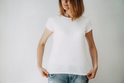 Tidak Mau Kaos Kesayangan Cepat Rusak? Ikuti Tips Mudah Merawat Baju Kaos Ini!