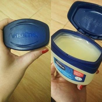 Manfaat Lain dari Vaseline Petroleum Jelly