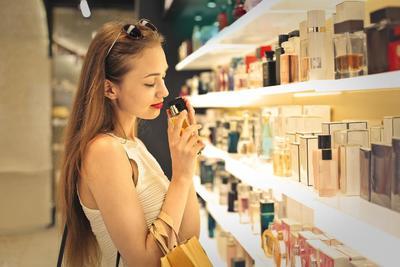 4 Rekomendasi Parfum Murah Namun Tidak Murahan