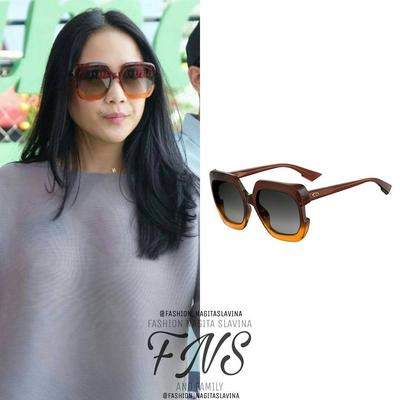 Wow Harga 4 Koleksi Kacamata Nagita Slavina Ini Bikin Geleng-geleng ... c12712427a