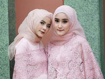 Apa ya style dan bahan hijab yang cocok dipakai ke pesta?