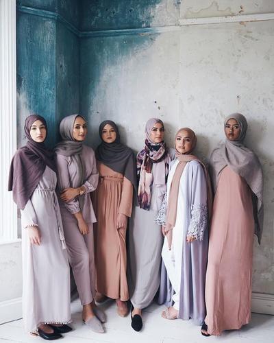 Wah, Ini Dia Tren Warna Hijab yang Populer Dipakai Saat Lebaran!