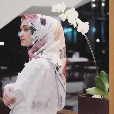 Hijabers, Simak Dulu Tutorial Hijab Satin untuk Pesta Agar Kamu Bisa Tampil Elegan!