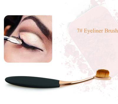 8. Membuat Eyeliner