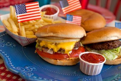 Dijamin Suka, Kamu Bisa Temukan Makanan Amerika Terenak di 3 Restoran Jakarta Ini!