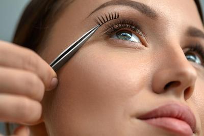 Enggak Pake Ribet dan Lama, Ini Tips Pakai Bulu Mata untuk Pemula yang Cepat dan Mudah!