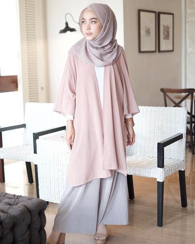 Anti Mati Gaya Inspirasi Padu Padan Hijab Outfit Ala Hamidah