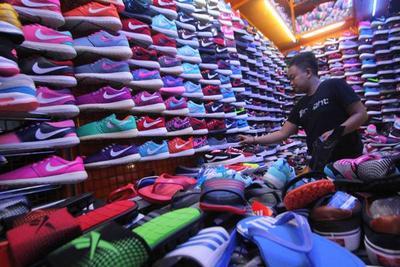 Mau Sepatu Bagus dengan Harga Super Murah di Jakarta  Di Sini Tempat ... 9bae9c93b6