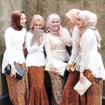Kekinian Banget Ini Dia Model Kebaya Muslim Yang Cocok Untuk Jadi