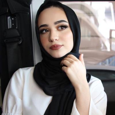 Selebgram Hijab? Ini Dia Tutorial Make Up Natural yang Bikin Kamu Makin Eksis!