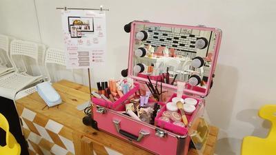 Ini Dia Cara Makeup Cetar Namun Tetap Natural Ala Stephanie Rose di Trove Market 2017