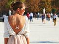 Enggak Bisa Pakai Baju Backless Karena Bekas Jerawat Punggung? Ini Solusinya!