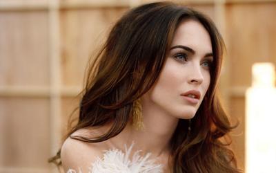 Ini Alasan Kuat Mengapa 5 Artis Hollywood Berparas Cantik Ini Paling Disukai Para Pria