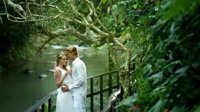 Ladies, Ternyata Ini Lho 10 Tempat Honeymoon Paling Romantis di Indonesia