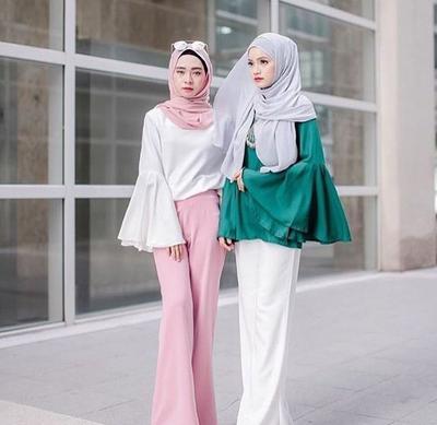 Pas Banget Ini Dia Tips Padu Padan Bell Sleeve Hijab Dengan Celana