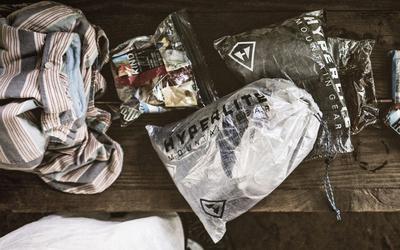 Kelompokan Barang Bawaan Didalam Plastik