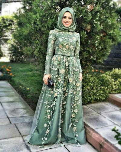 Modis Dan Elegan Ini Dia 7 Inspirasi Gaun Pesta Muslimah Dengan