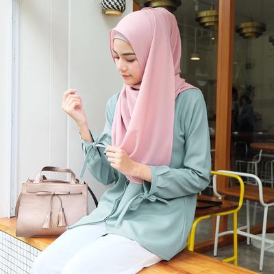 Mau Cari Hijab Instan Kekinian? Stalking Akun Online Shop Ini Sekarang!