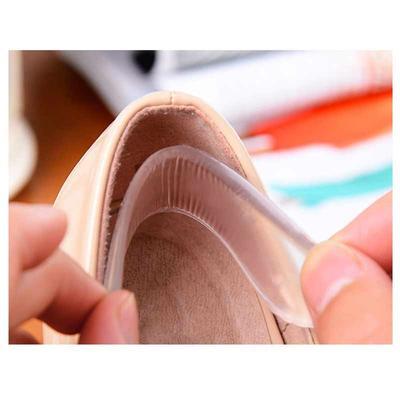 Terlanjur Beli Sepatu Kebesaran? Jangan Khawatir, Begini Cara Mengakalinya Agar Bisa Dipakai
