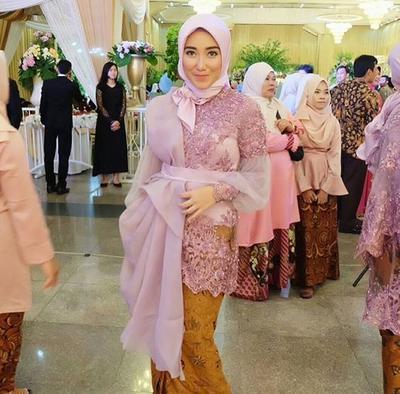 5 Model Kebaya Muslimah Organza Yang Banyak Dipakai Selebgram Untuk