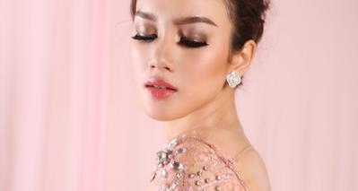 Inspirasi 4 Style Batik Ala Selebgram Ini Bikin Kamu Tampil Kekinian