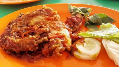 Resep Membuat Sambal Ayam Penyet Lengkap dengan Tips Rahasia dan Penyajian yang Nikmat