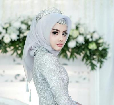 Mencari Inspirasi Kebaya Pernikahan Muslimah? Ini Pilihan Model yang Glamour dan Kekinian