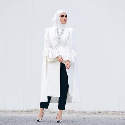 Ini Pilihan Model Blazer Cape Hijab untuk Ke Kantor Supaya Tampil Lebih Modis dan Kekinian!