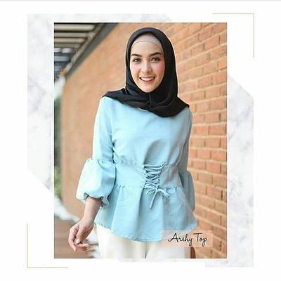 Ini Dia 4 Rekomendasi Online Shop Baju Paling Murah untuk Tampil ... f254047ff1