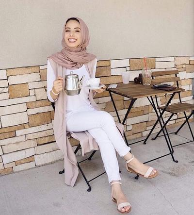 Simpel Dan Elegan Ini 5 Fashion Style Hijabers Turki Kalau Lagi
