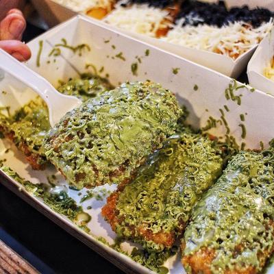 Buat yang Ngaku Kekinian, Setuju Enggak Kalau 5 Kuliner Ini Lagi Hits Banget di Jakarta?