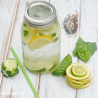Minum Jeruk Nipis atau Jeruk Lemon Hangat