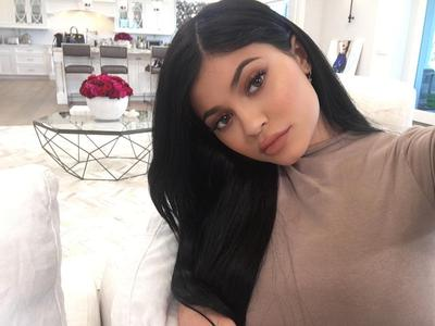 Bukan Kendall Jenner, Ternyata 3 Wanita Keluarga Kardashian Inilah yang Paling Kaya!