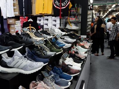 Cuma di Urban Sneaker Society 2.0 Kamu Bisa Berburu Sepatu dan Hoodie Mahal Secara Gratis