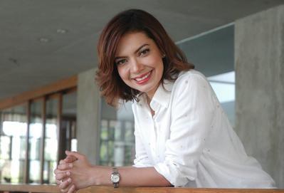 Profesional dan Modis, Ini Dia Style Baju Kerja Wanita Ala Najwa Shihab untuk Meeting