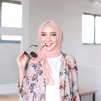 Tak Hanya Soal Rambut, Ternyata untuk Hijabers, Model Hijab Ini Paling Disenangi Para Pria Lho